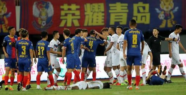 奥汉德扎读秒绝杀双方染红 深足客场1-0黄海